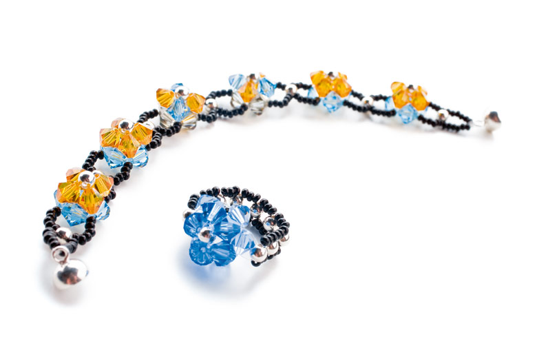 Example of use, Crystal-Cut Glass Beads: Necklace and ring